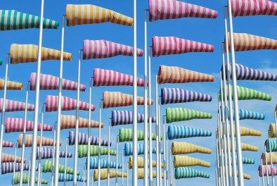 Le Vent Souffle ou Il Veut. Daniël Buren in de jachthaven (Beaufort 2004)