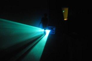 aandacht voor de lichtbundel ipv voor het beeld