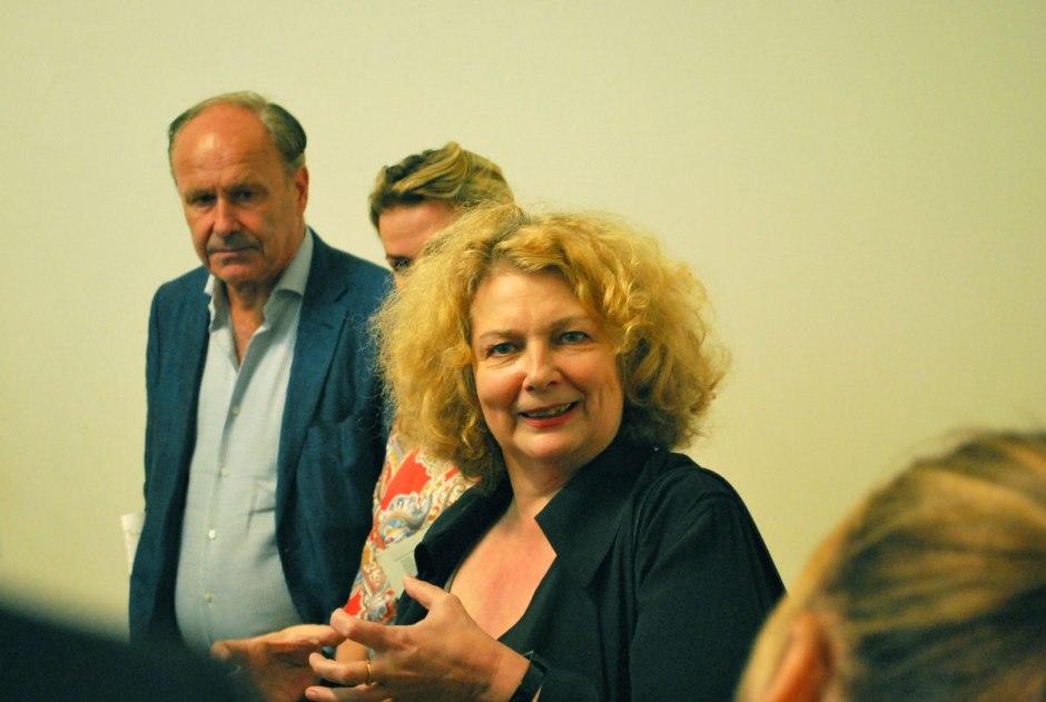 Marlene Dumas  geeft uitleg bij haar werk