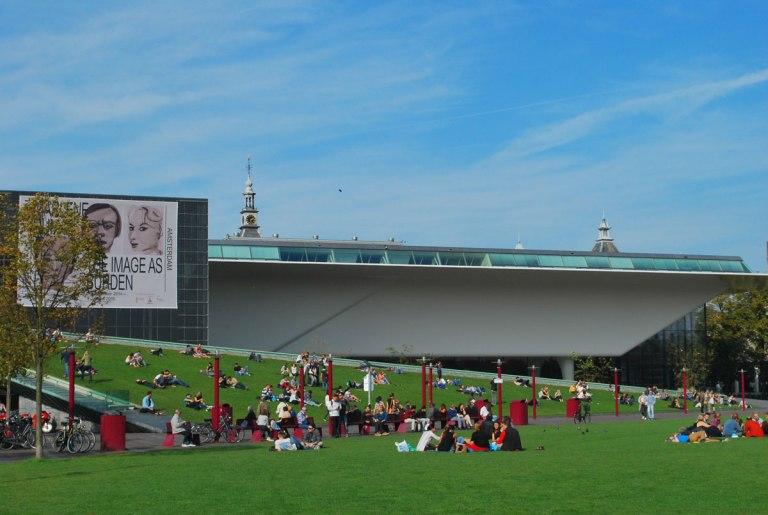 Stedelijk Museum Amsterdam - 'de badkuip'