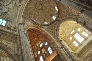 de kathedraal in de moskee