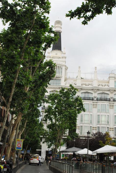 Plaza Santa Ana met ME Madrid