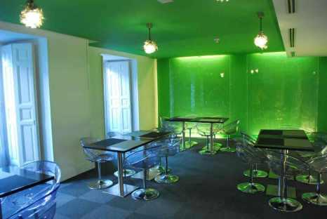 madrid_roommatemario_breakroom