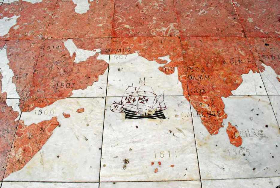 straatmozaiek op de kade van Belém