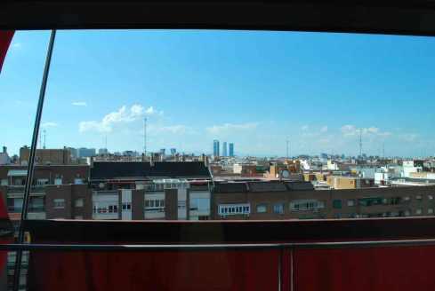 zicht op de hoogste skyscraper van Madrid