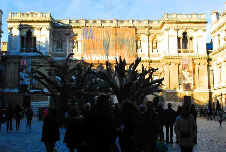 Tree, op de Annenberg Courtyard van de Royal Academy