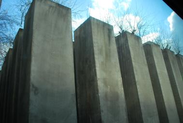 49 betonnen blokken