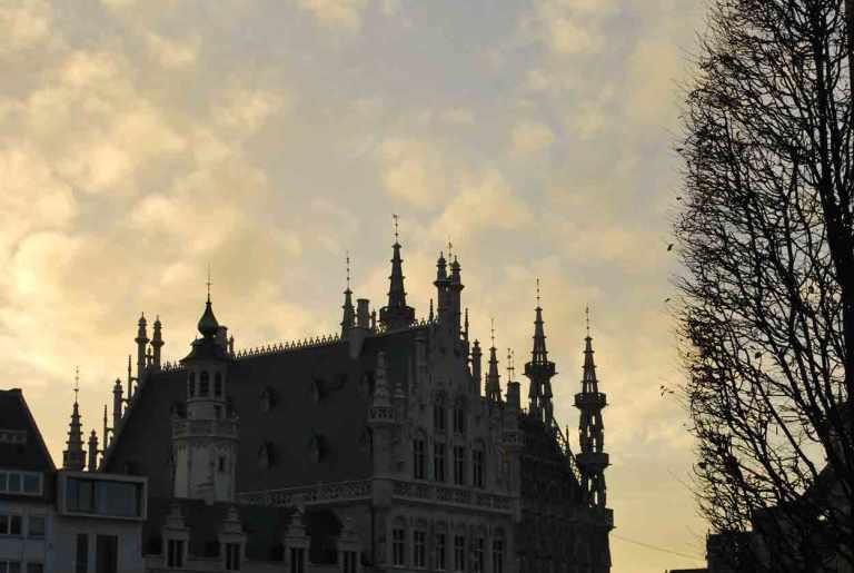 Leuven Tafelrond en Stadhuis